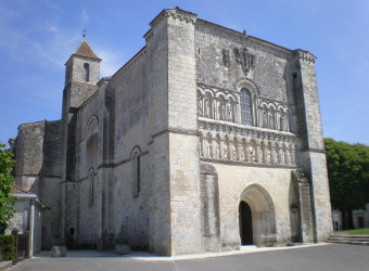 Perignac, c'est beunaise au fil du Guâ, Perignac Church, guest house referencement